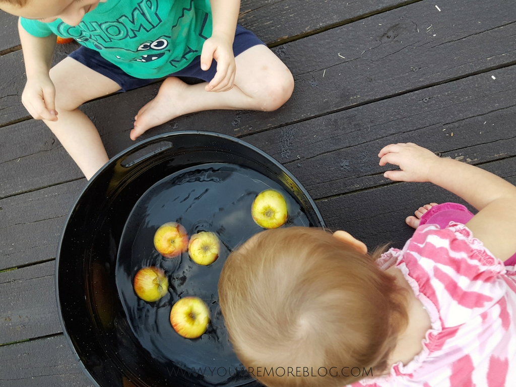 Backyard-Fall-Party-Toddlers-19